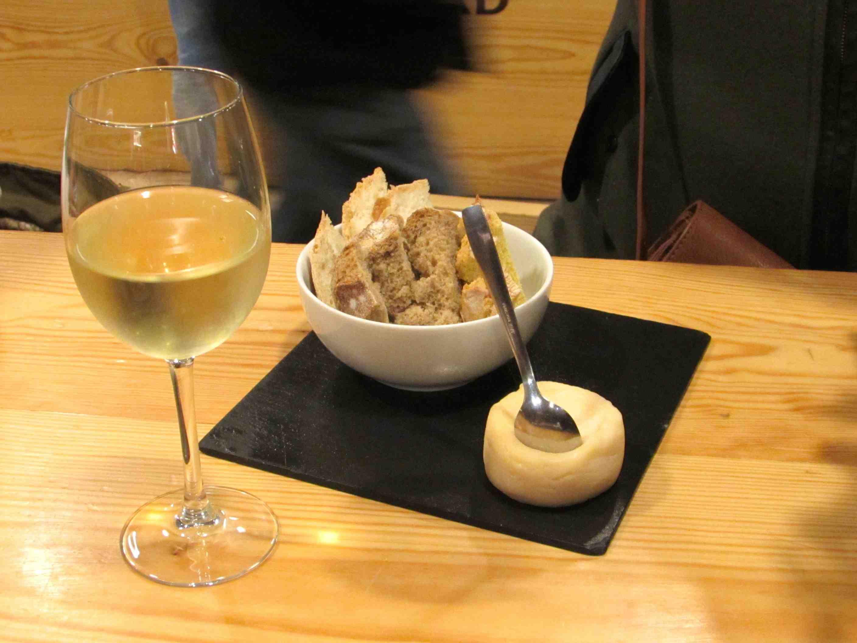 time out market lisboa pão e vinho