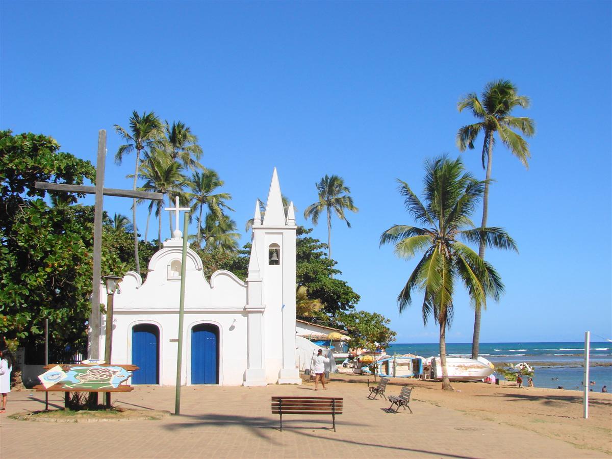 o que fazer na praia do forte igreja vila de pescadores