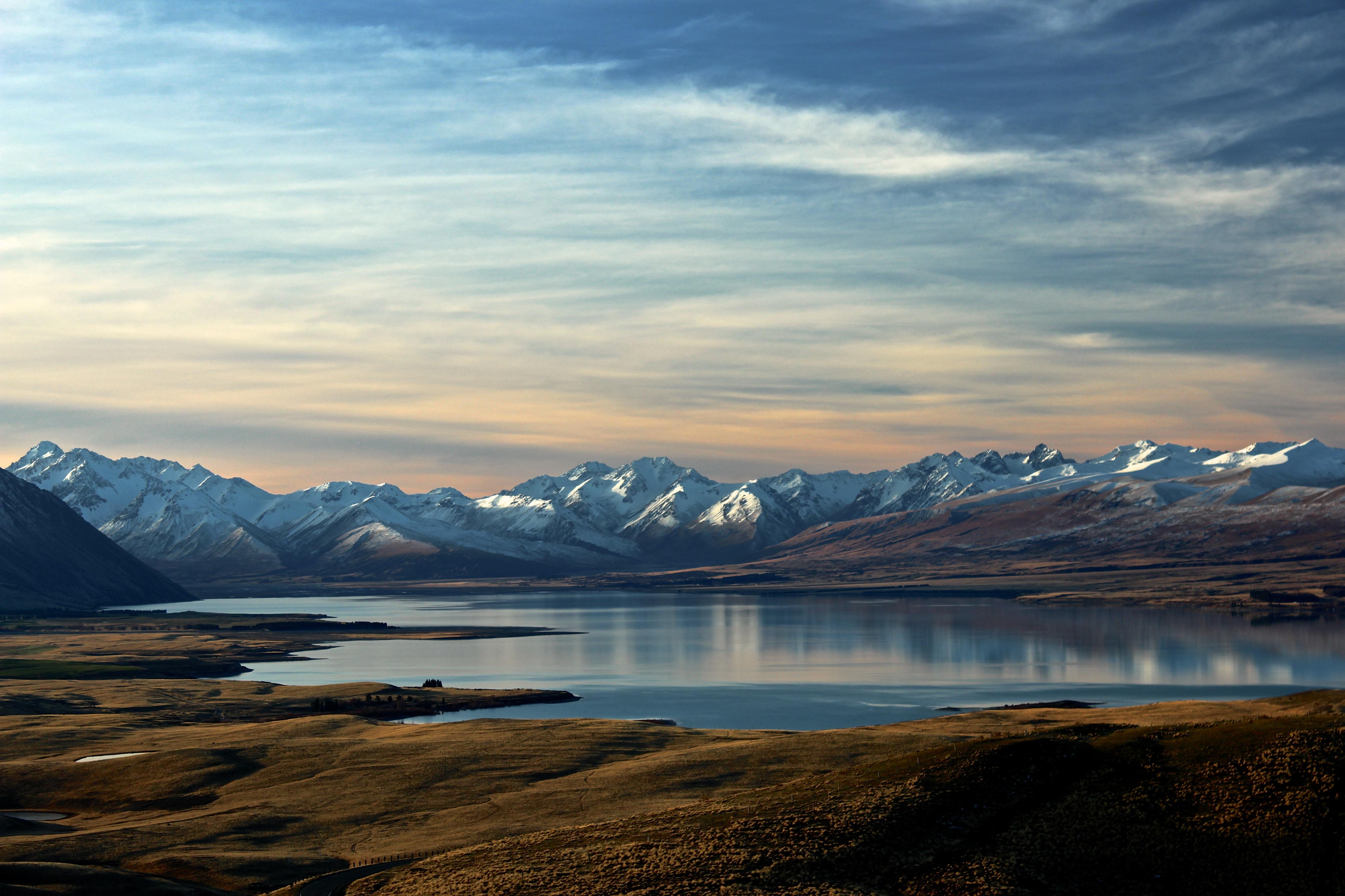 o que fazer na nova zelândia paisagem com montanhas