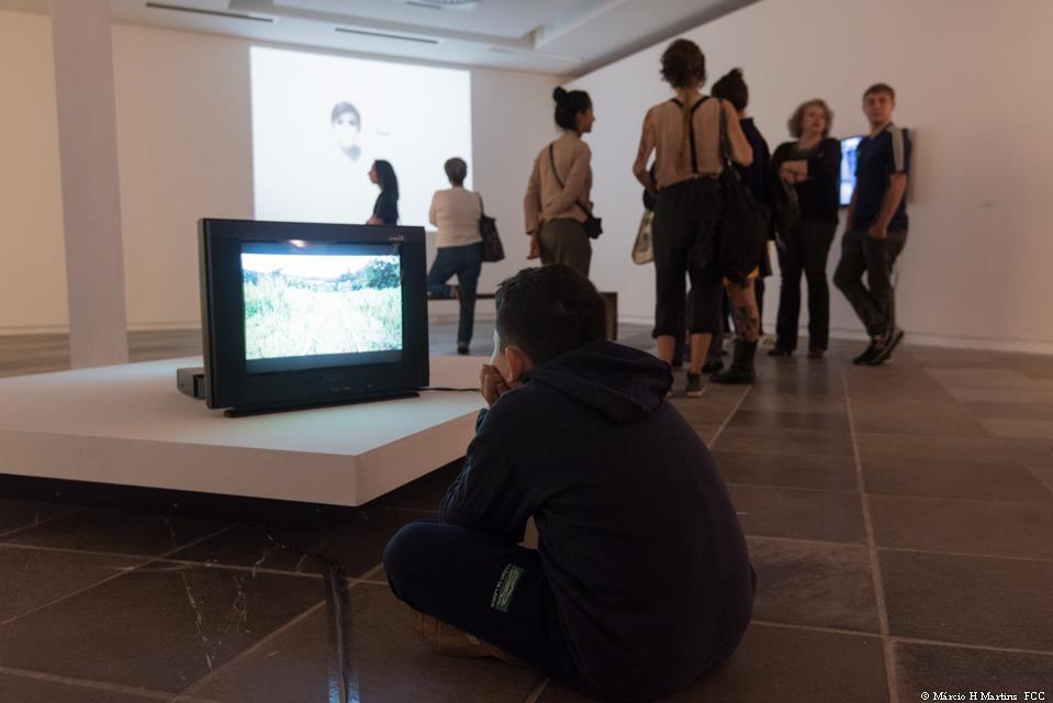 arte em florianópolis pessoas no museu