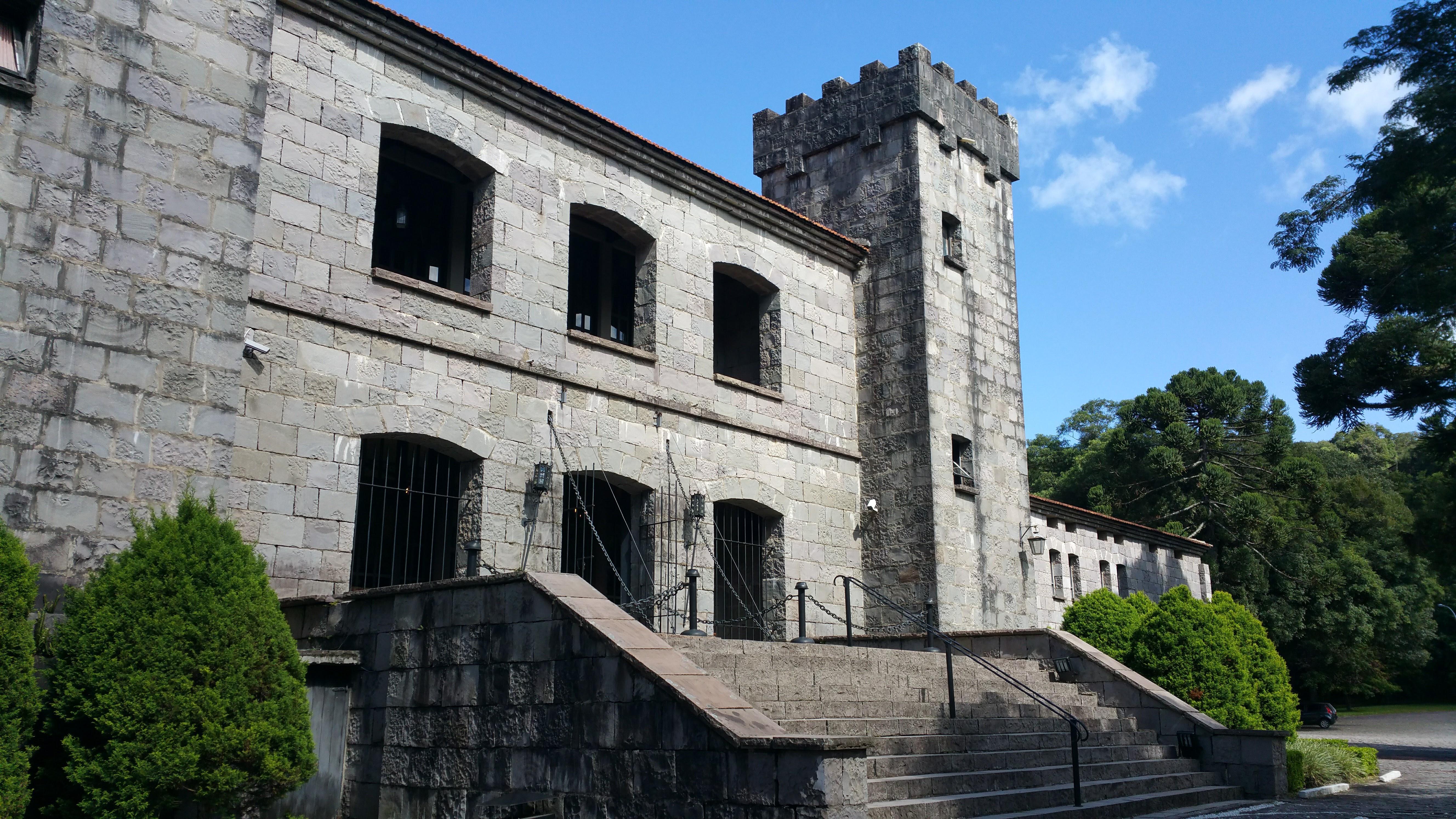 fachada castelo la cave ana rech
