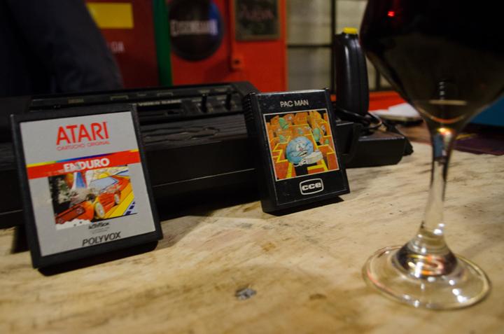 jogos Atari e Pac Man máquina do tempo pub