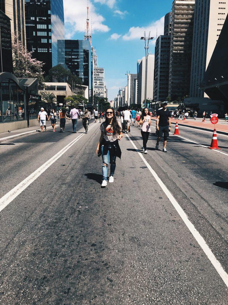 roteiro em são paulo pessoas na avenida paulista