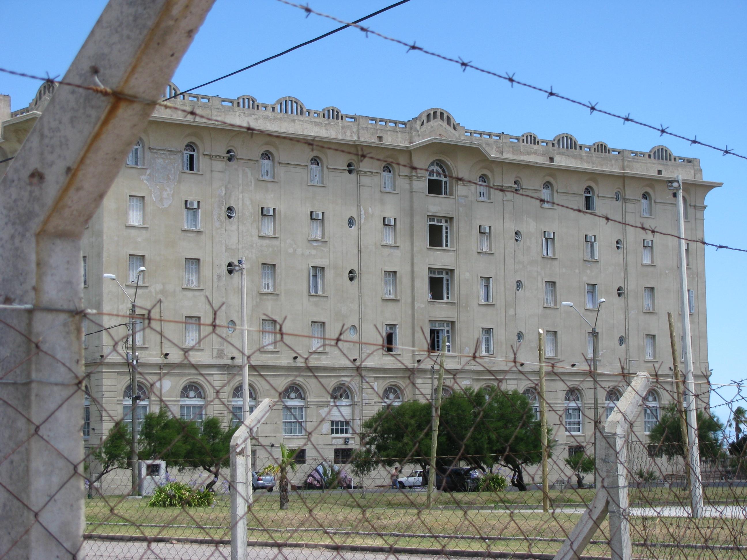 Hotel Argentino em Piriápolis Uruguai visto de fora