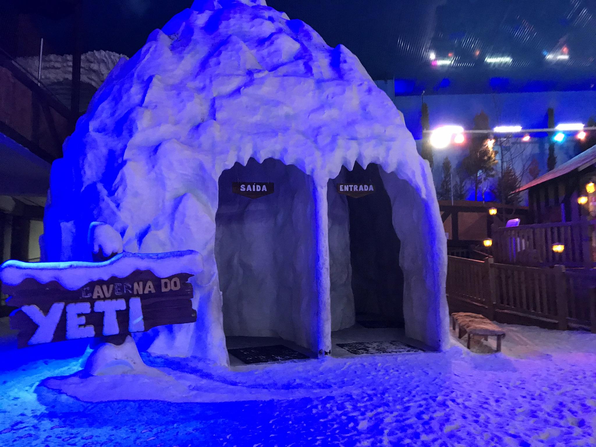 snowland night caverna do yeti