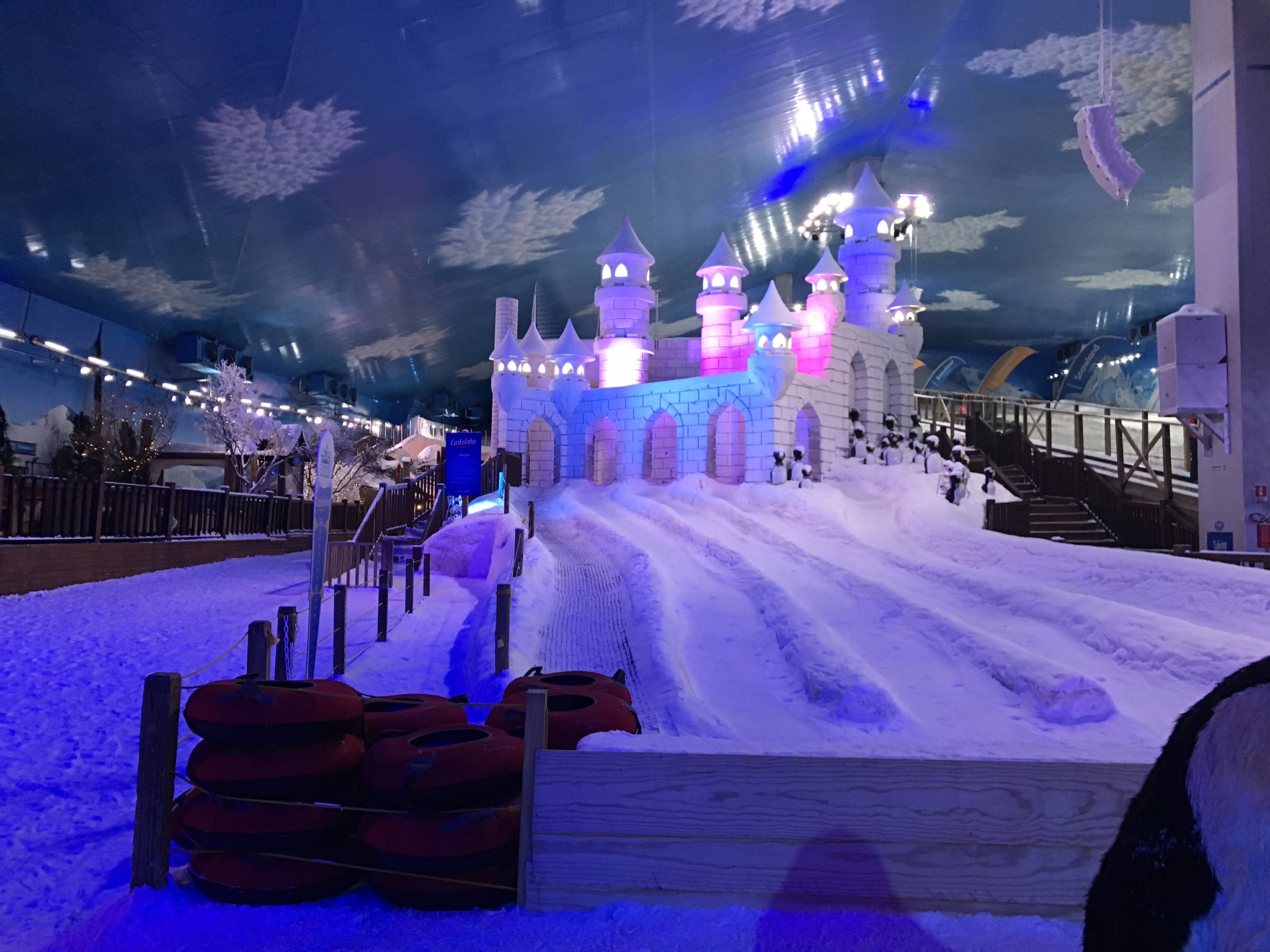 snowland night parque