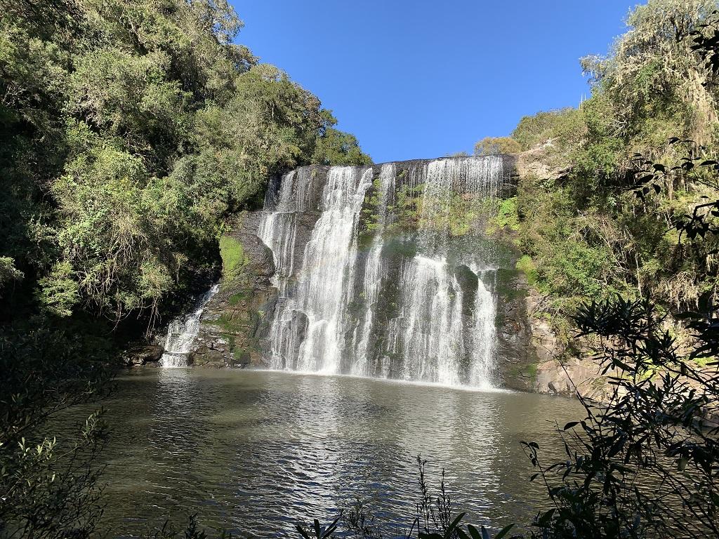 Cachoeira na Fazenda Estancia Felicidade