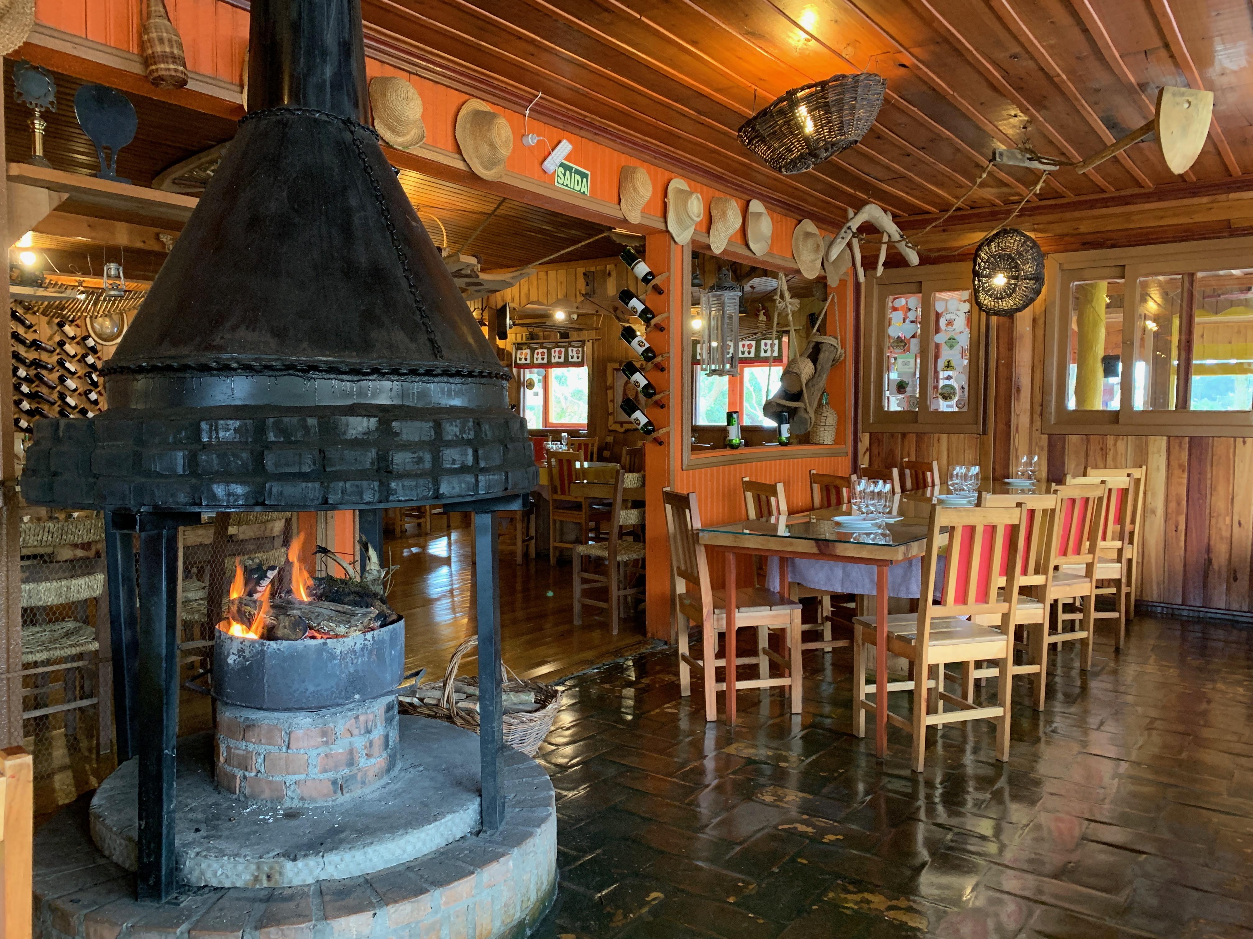 Decoração no restaurante O Casarão em Cambará do Sul