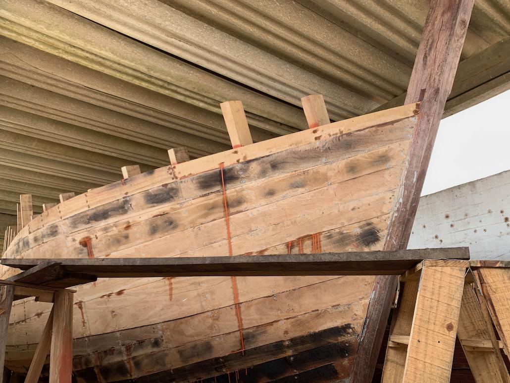 réplica de barco usado por giuseppe garibaldi