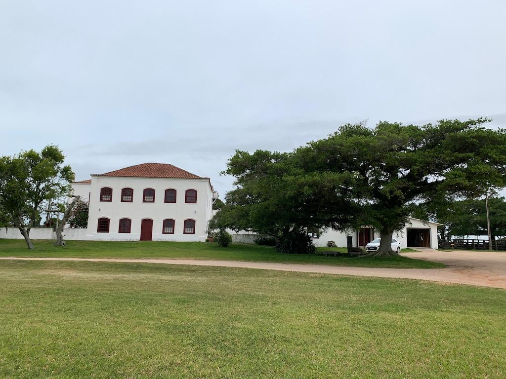 fachada do casarão da fazenda do sobrado