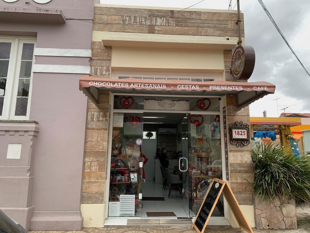 fachada da loja silvia chocolates artesanais