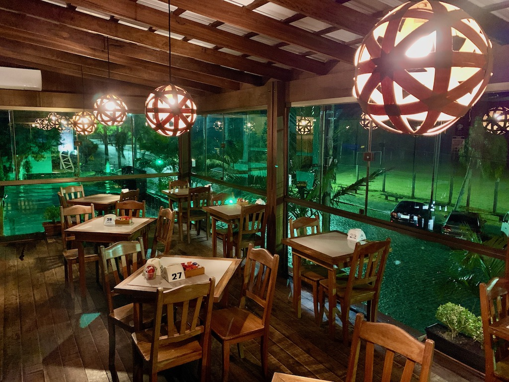 pub no restaurante tropicali's