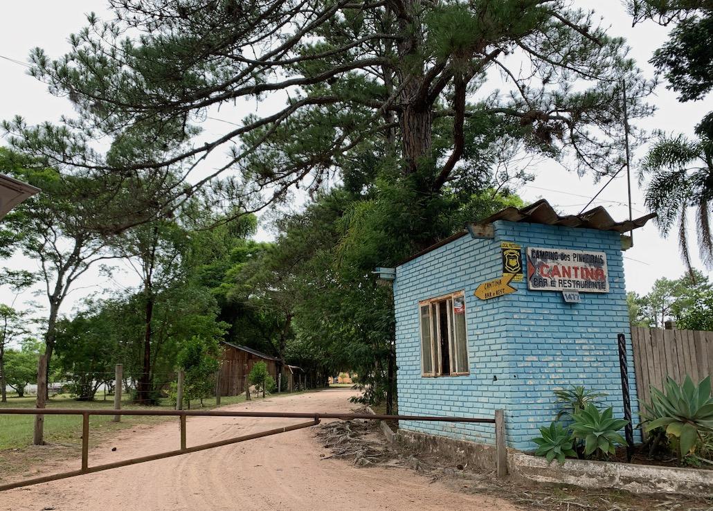 entrada do camping dos pinheirais