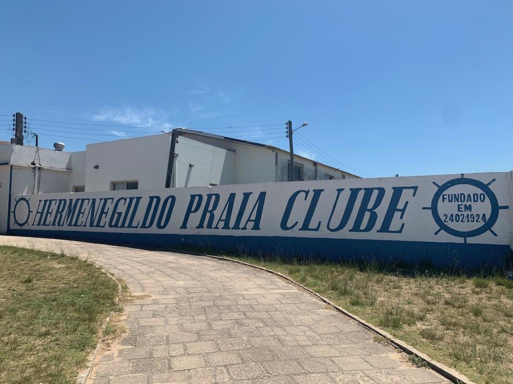 Clube da praia de Hermenegildo
