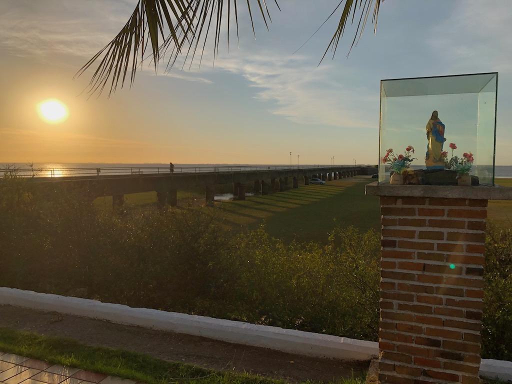 pôr do sol no porto de Santa Vitória do Palmar